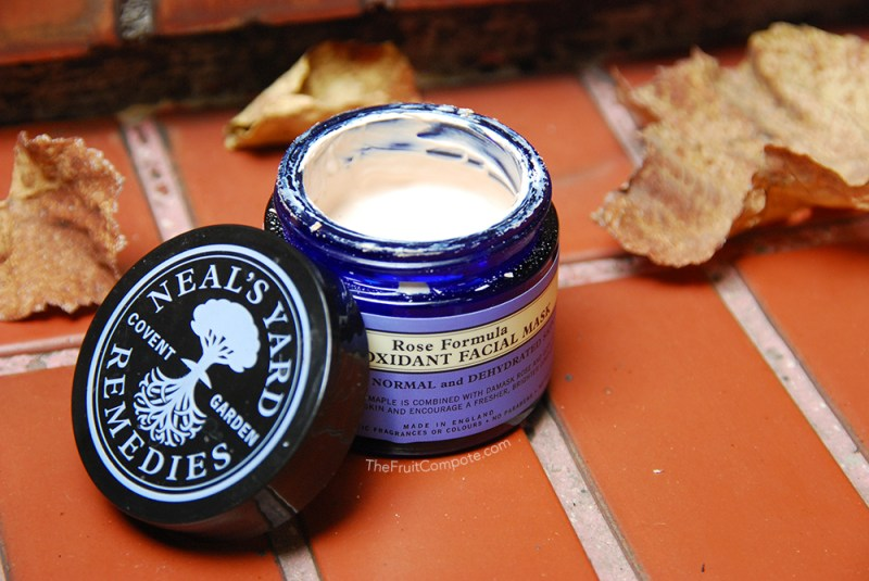neals-yard-remedies-rose-formula-antioxidant-facial-mask-review-swatch-photos-2