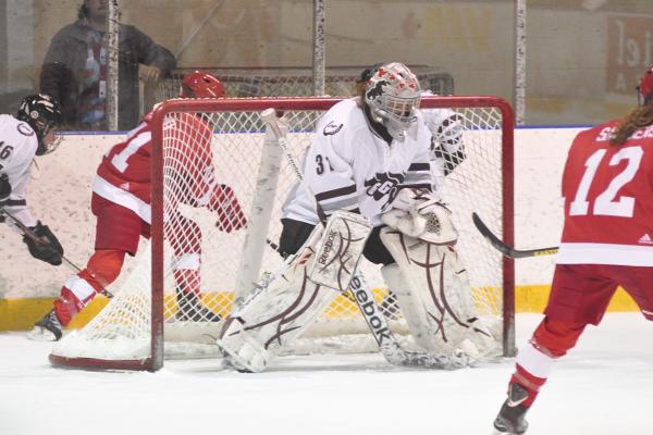 Sports_WomenHockey2_MartaKierkusWEB
