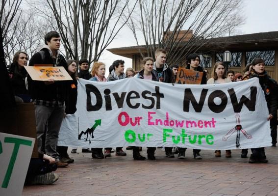 WEB_FEA_Fossil-Fuels2_CC,-James-Ennis