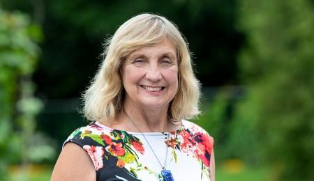 Headshot of Professor Elizabeth Kristjansson