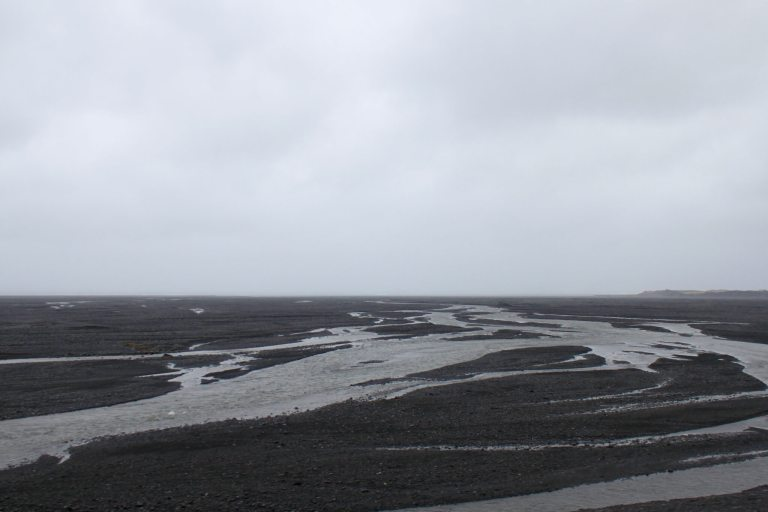 The grim, gray expanse of the Skeiðarársandur