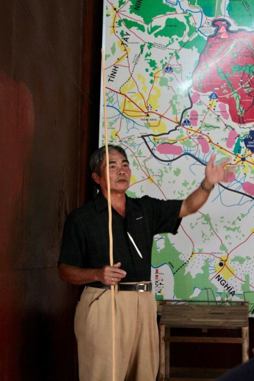 Our tour guide, Tung, explaining the map of the conflict