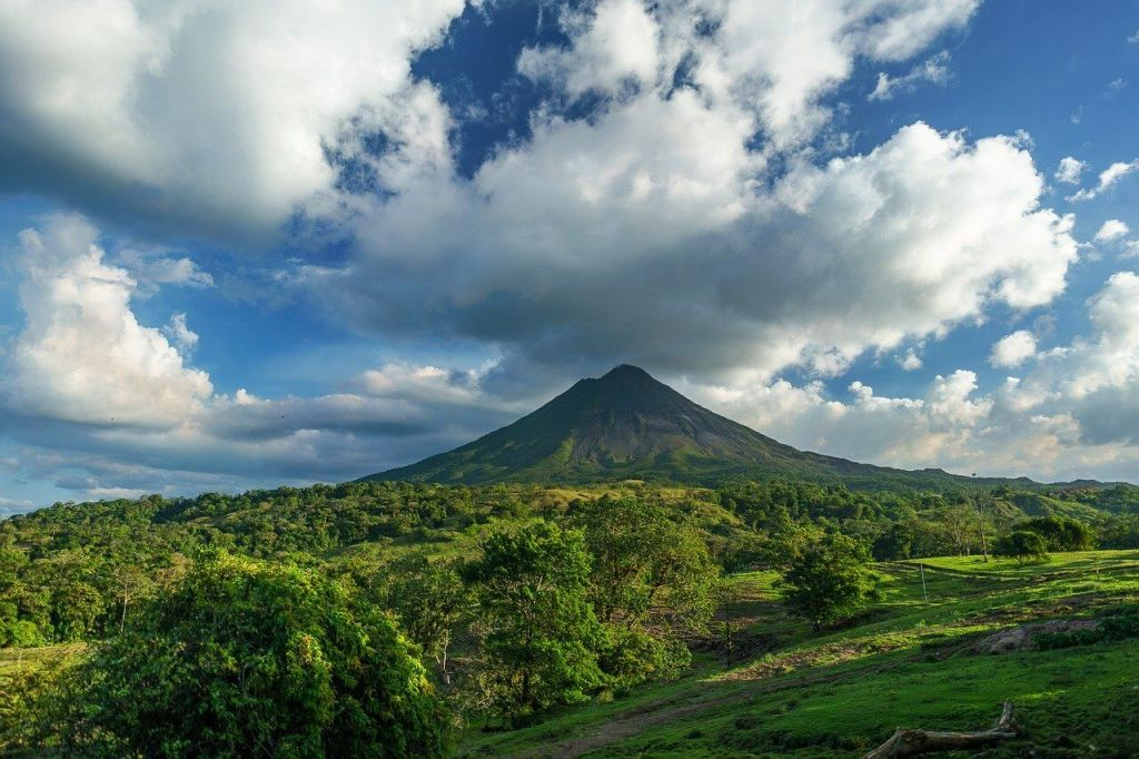 Green countryside and volcano in Costa Rica