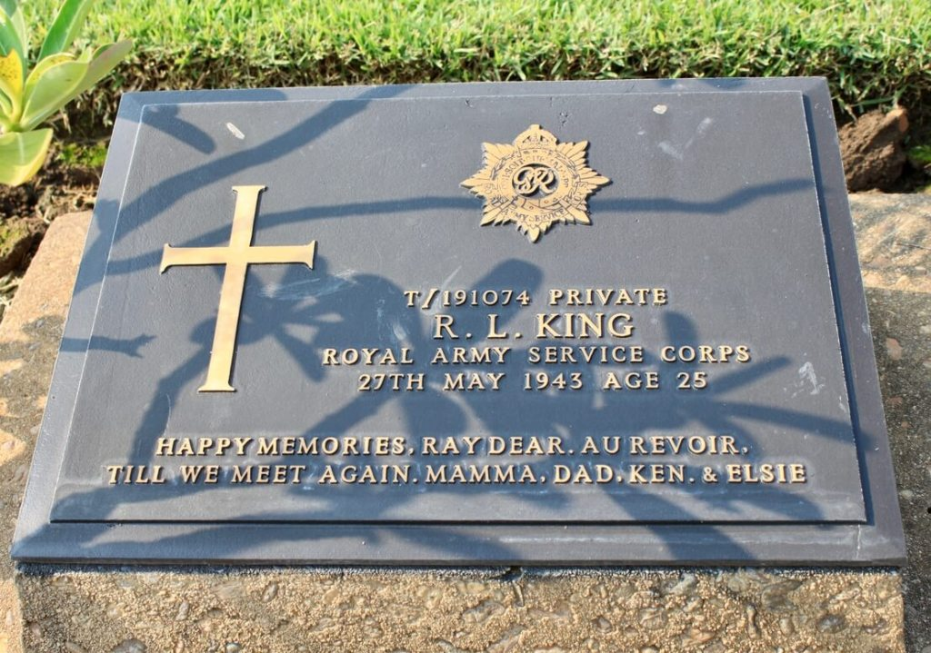Headstone of RL King from the Royal Army Service Corps with loving message from his family.