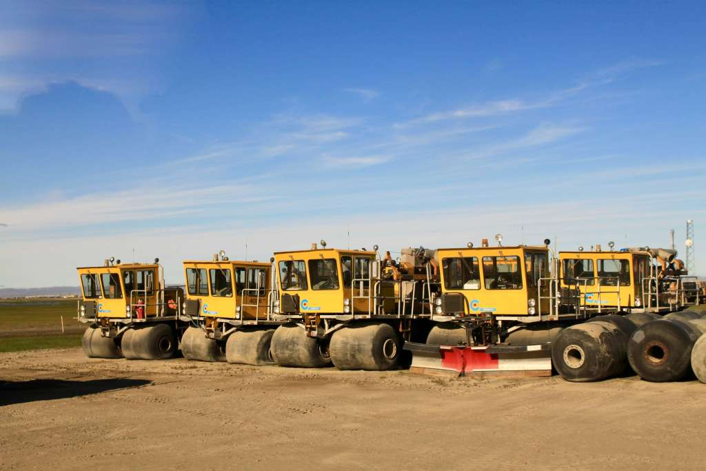 Rigs equipped with liquid-filled tires for driving on tundra