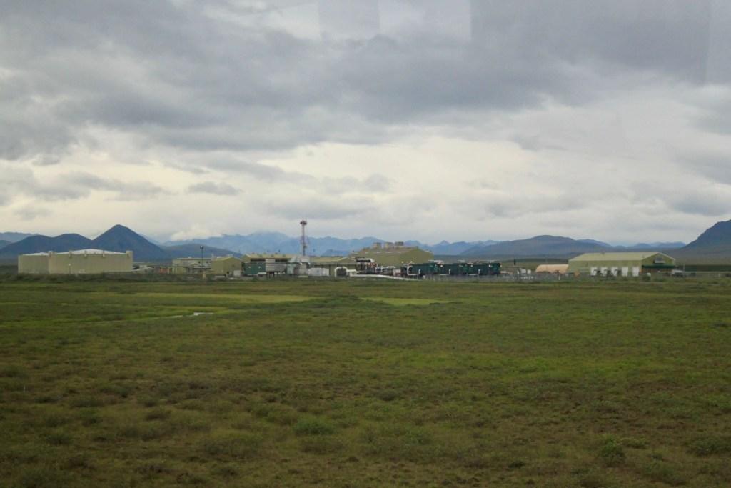 Pumping station along the Alaska pipeline
