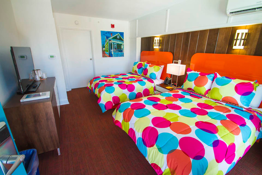 Mother Earth Motor Lodge Room
