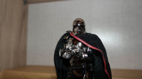 Star-Wars-Mafex-Captain-Phasma-Review-20