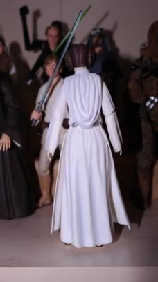 SH-Figuarts-Star-Wars-Princess-Leia-Organa-A-New-Hope-Review-6