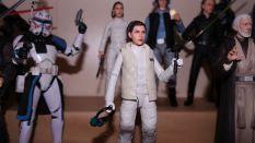 FOTF Star Wars Black Series Princess Leia (Hoth) Review 4