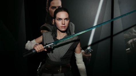 Hot Toys Review   Rey (Jedi Training) – Star Wars: The Last Jedi (MMS446)