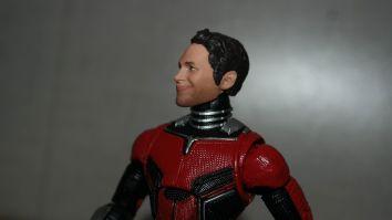 Marvel-Legends-Ant-Man-Review-1