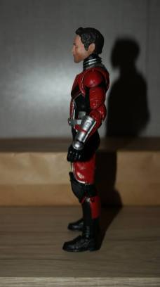 Marvel-Legends-Ant-Man-Review-4