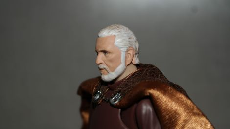 FOTF S.H Figuarts Star Wars Count Dooku Review 10