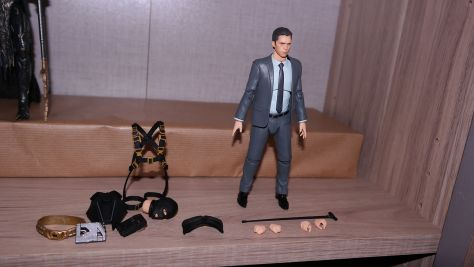 Mafex Review Bruce Wayne (The Dark Knight Rises) 2