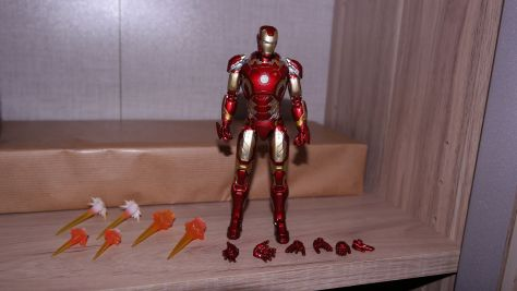 S.H Figuarts Iron Man (Avengers Age of Ultron) Review 1
