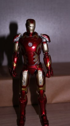 S.H Figuarts Iron Man (Avengers Age of Ultron) Review 2