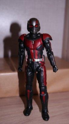 S.H Figuarts Review Ant-Man (Avengers Endgame) 9