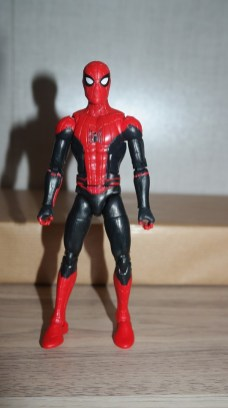 Marvel Legends Review Spider-Man (Far From Home) 2