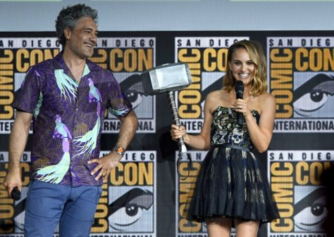 Should Natalie Portman Be Female Thor?