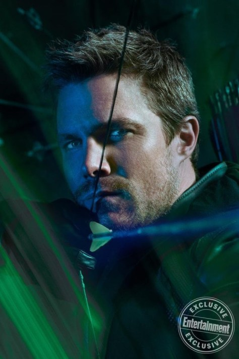 Arrow   Oliver Queen is Rocking Some Seriously Cool New Threads in the Final Season of Arrow