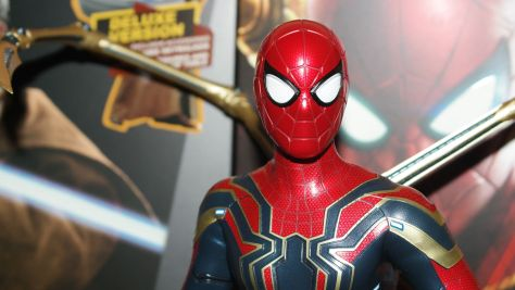Hot Toys Review | Iron Spider (Avengers: Infinity War)
