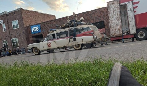 New Ghostbusters III Set Pics Reveal Ecto-1 and the Stay Puft Marshmallow Man