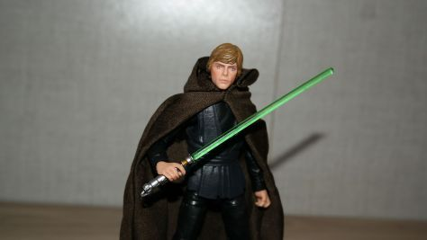 Star-Wars-Hasbro-Black-Series-Luke-Skywalker-Jedi-Knight-Review-17