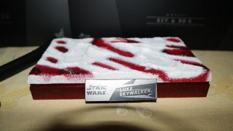 Hot Toys Luke Skywalker - Crait (Star Wars: The Last Jedi) 2