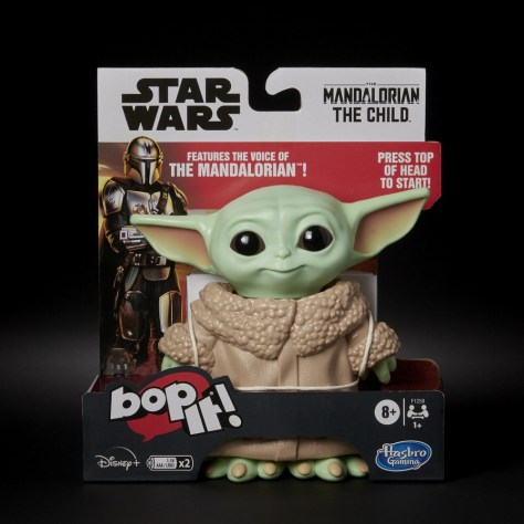 Bop It - Star Wars The Mandalorian Edition 001
