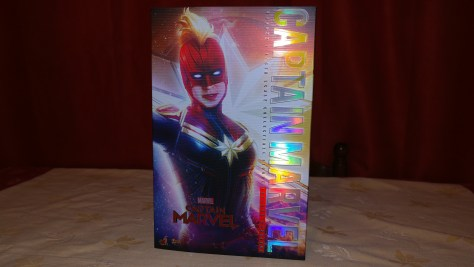 Hot Toys Captain Marvel Deluxe Review 001