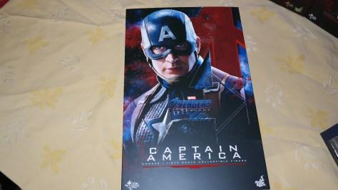 Hot Toys Captain America (Avengers Endgame)