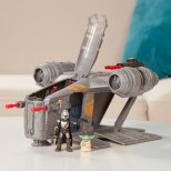 STAR-WARS-MISSION-FLEET-RAZOR-CREST-OUTER-RIM-RUN-Figure-and-Vehicle-2-Pack-lifestyle-1