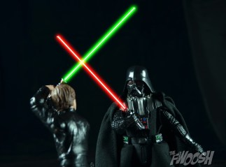 Hasbro-Star-Wars-Black-Series-Darth-Vader-Review-duel-8