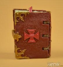 Mattel-Masters-of-the-Universe-Classics-MOTUC-Eldor-Review-book-of-spells-back
