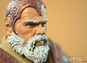 Mattel-Masters-of-the-Universe-Classics-MOTUC-Eldor-Review-super-close-profile