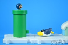 Jakks-Pacific-World-of-Nintendo-Micro-Land-1-2-Review-luigi-Glacier-3