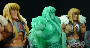 Masters-of-the-Unvierse-Classics-MOTUC-Spirit-of-King-Grayskull-Review-together