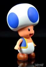 Jakks-World-of-Nintendo-Blue-Toad-Review-turn-1