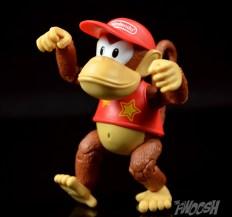 Jakks-World-of-Nintendo-Diddy-Kong-Review-monkey-walk
