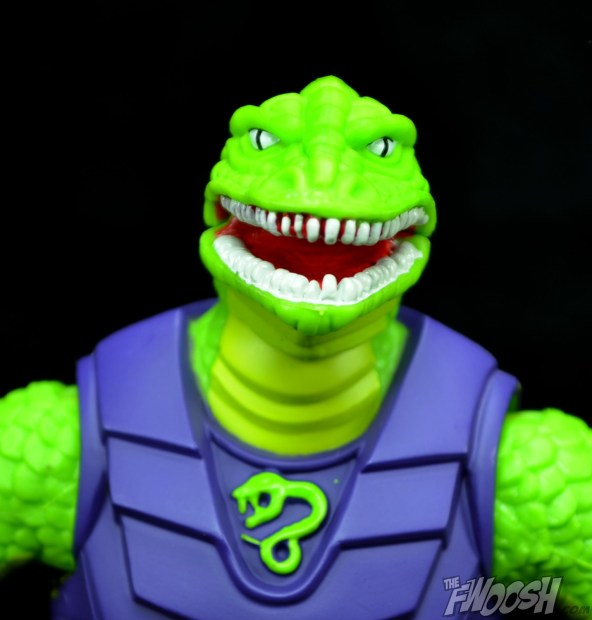 Masters-of-the-Universe-Classics-MOTUC-Sssqueeze-Review-Close
