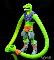 Masters-of-the-Universe-Classics-MOTUC-Sssqueeze-Review-turn-4