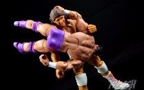 WWE-Elite-Hall-of-Fame-Tito-Santana-Review-shoulder-breaker