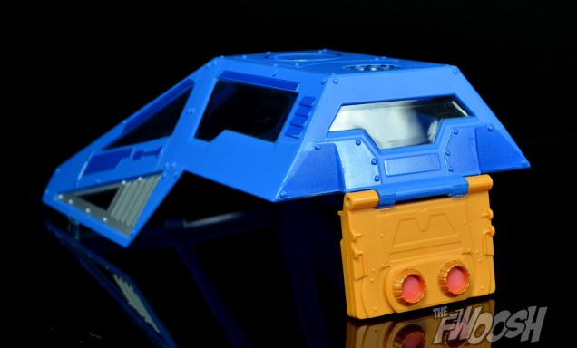 Masters-of-the-Universe-Classics-MOTUC-Talon-Fighter-and-Point-Dread-Review-hatch-back