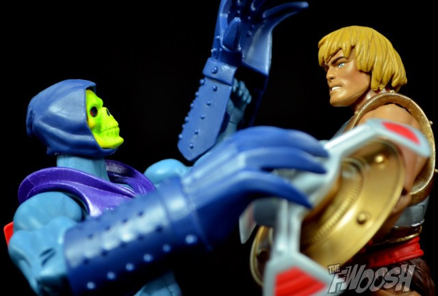 Masters-of-the-Universe-Classics-MOTUC-Terror-Claws-Thunder-Punch-Review-Close-battle