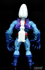 Masters-of-the-Universe-Classics-MOTUC-Terror-Claws-Thunder-Punch-Review-Skeletor-back