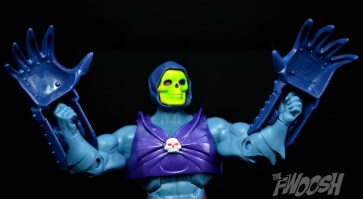 Masters-of-the-Universe-Classics-MOTUC-Terror-Claws-Thunder-Punch-Review-claw-raise