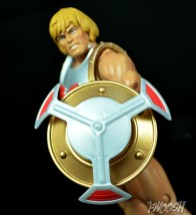 Masters-of-the-Universe-Classics-MOTUC-Terror-Claws-Thunder-Punch-Review-shield