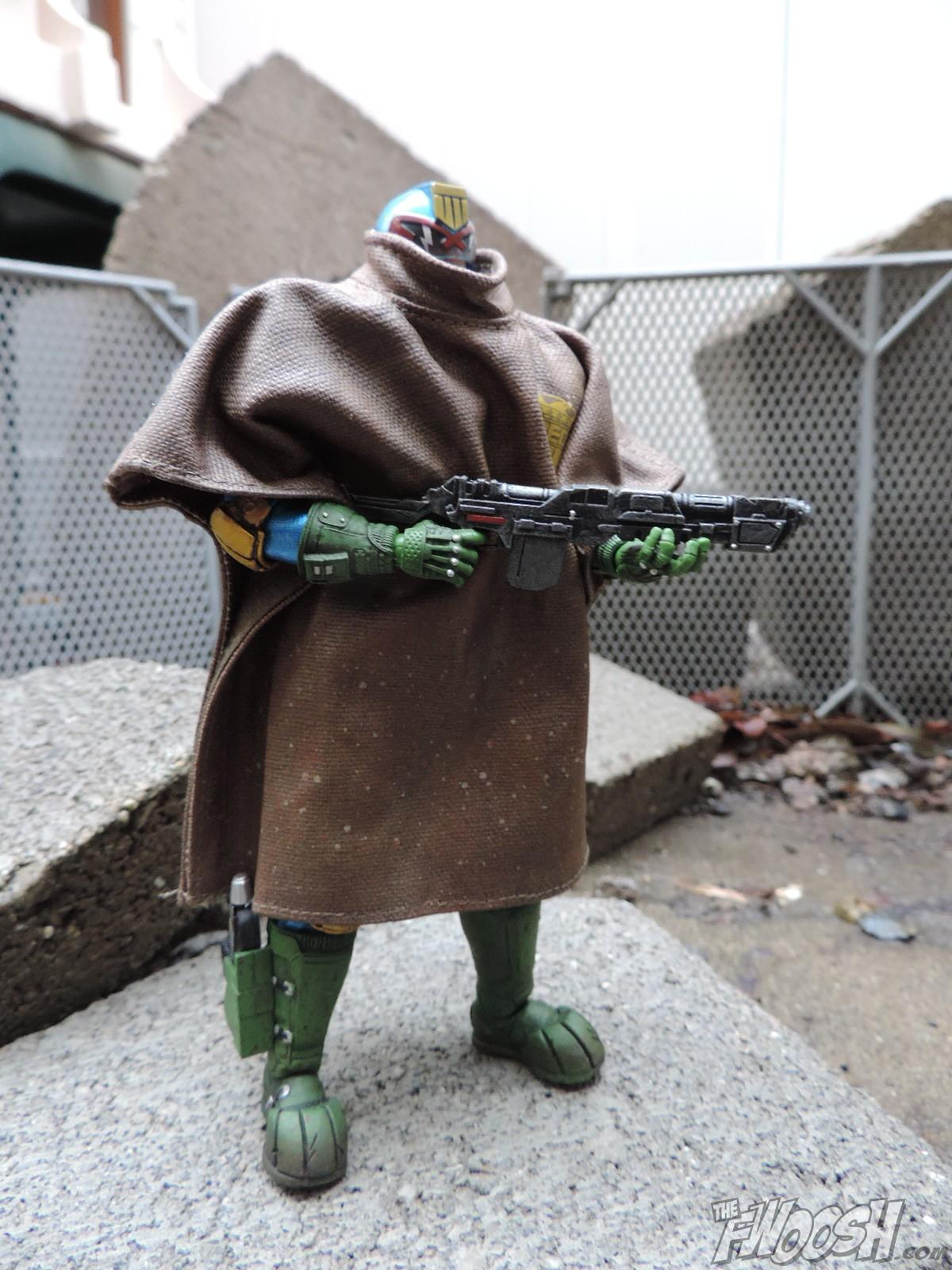"Mezco: One:12 Collective Judge Dredd ""Cursed Earth"" PX"