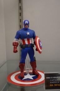 Mezco One12 Marvel Captain America 1